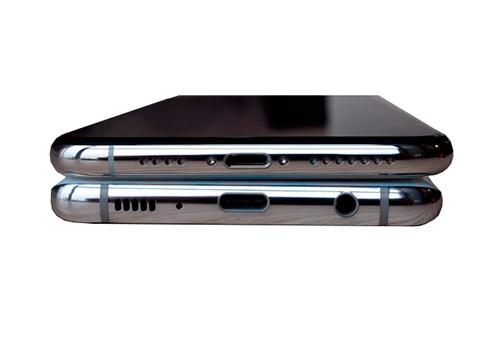 Сравнение iPhone Xs Max i Samsung S10 Plus: Киев, Украина