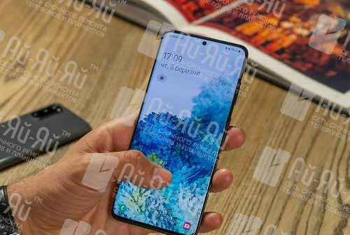Какая разница между Samsung Galaxy S10 и Samsung Galaxy S20: Киев, Украина